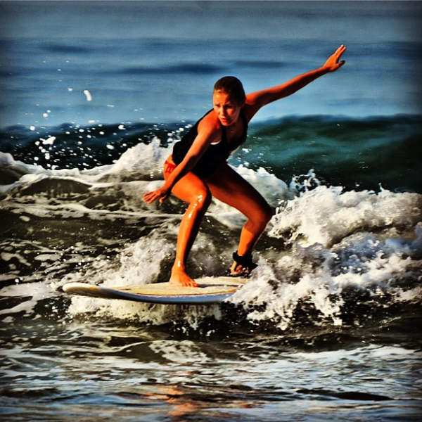Image_Showing_Surfer_Theresa_Longo