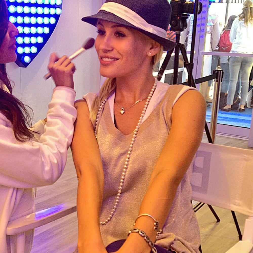 Actress+Theresa+Longo