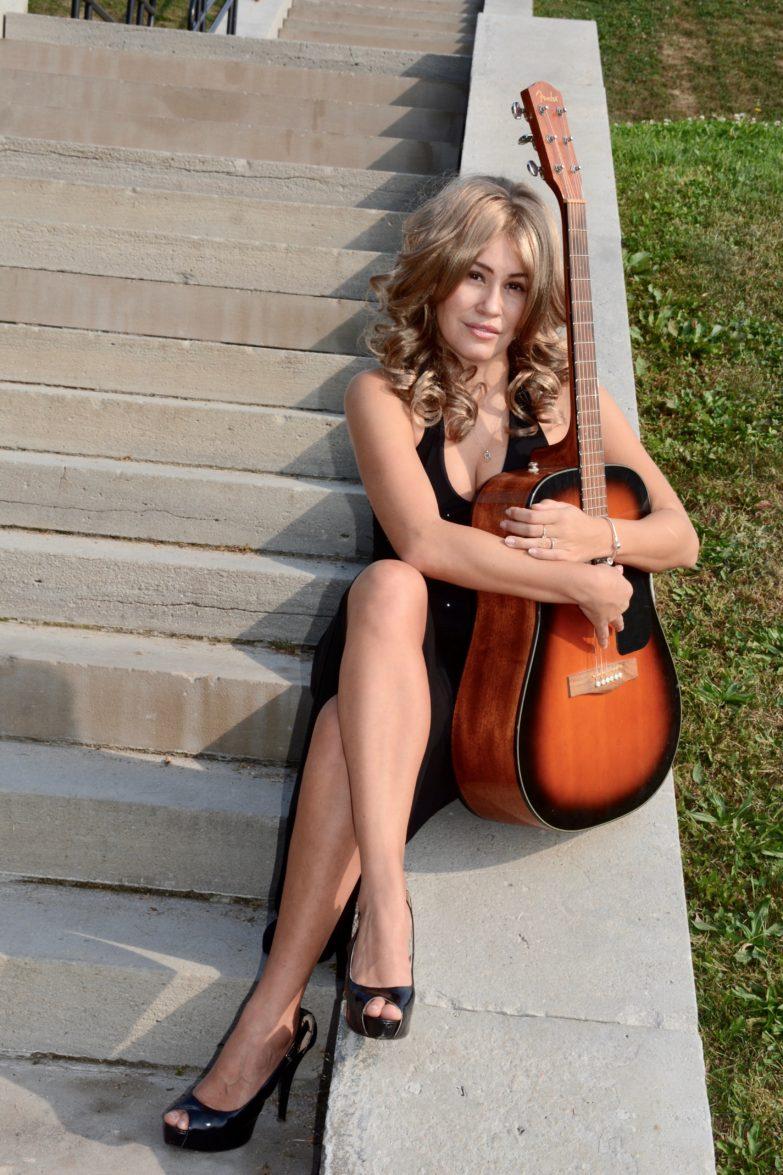 Canadian+Musician+Theresa+Longo