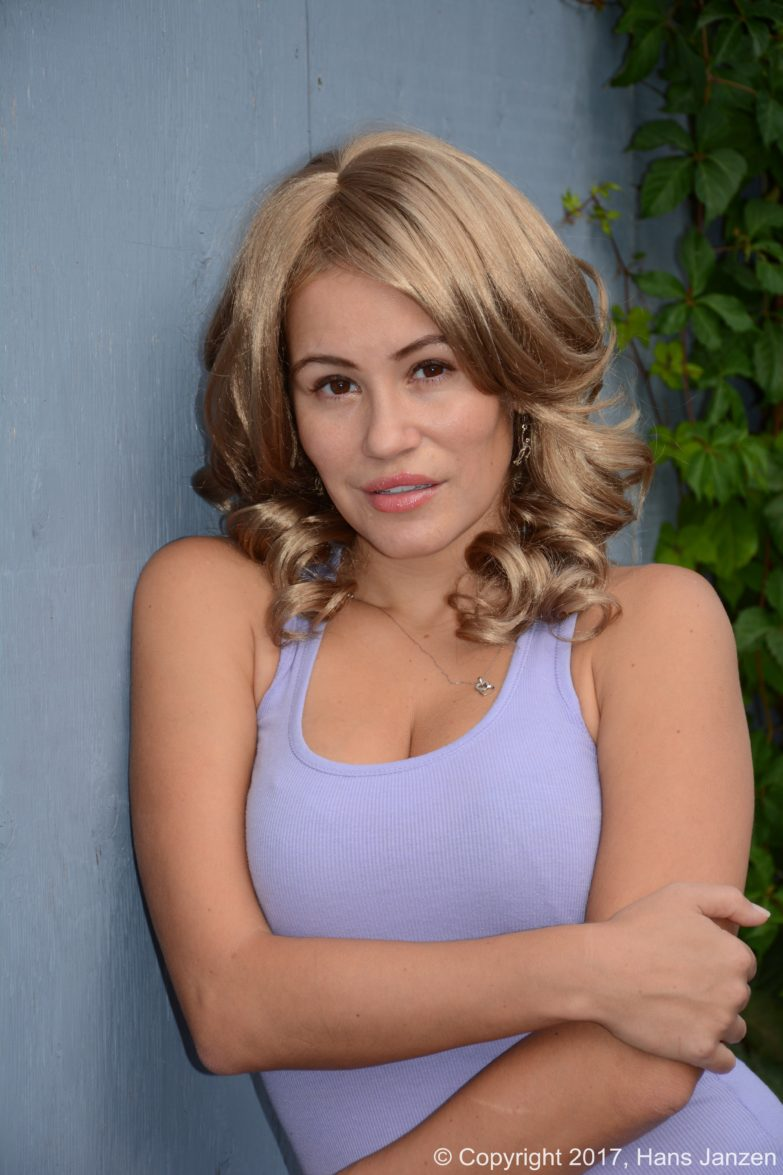 Theresa-Longo-Actress